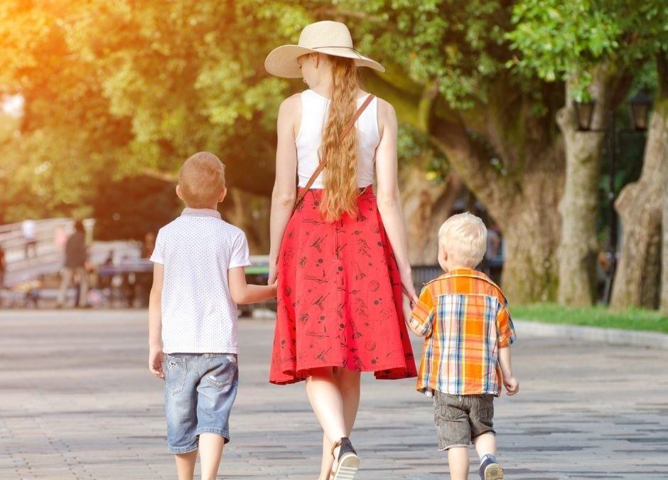 Mature + Professional Nanny NEEDED for Single Mom with 2 Boys in Calabasas! Mon-Thur! $30/hr!