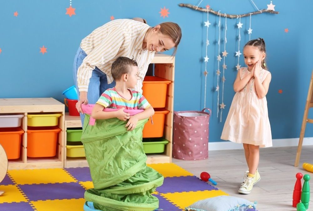 Playful + Creative Nanny Needed for Return Clients! 30-35 Hrs/Wk in Studio City for 2 Children Ages 2 & 5!