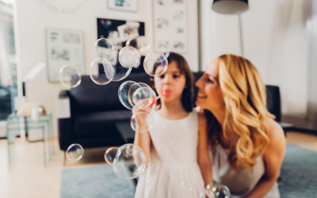 TWO Nannies NEEDED for Celebrity Family – APPLY TODAY!